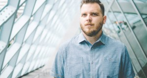 Dustin Kensrue posts new acoustic music video