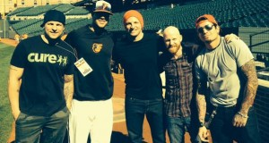Red hangs with Chris Davis in Baltimore
