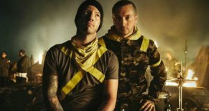 twenty one pilots premieres new song