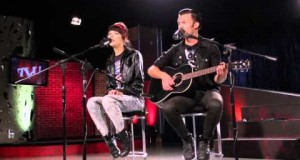 "Children 18:3 perform acoustic ""Jenny"""