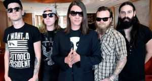 The Red Jumpsuit Apparatus posts live video