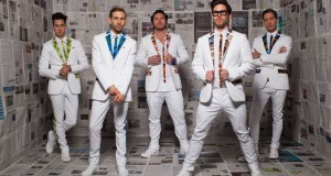 Family Force 5 releases new Christmas song